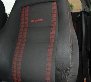 asientos rotos en el vehículo